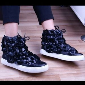 Black leather Camellia Flower High Top Sneakers